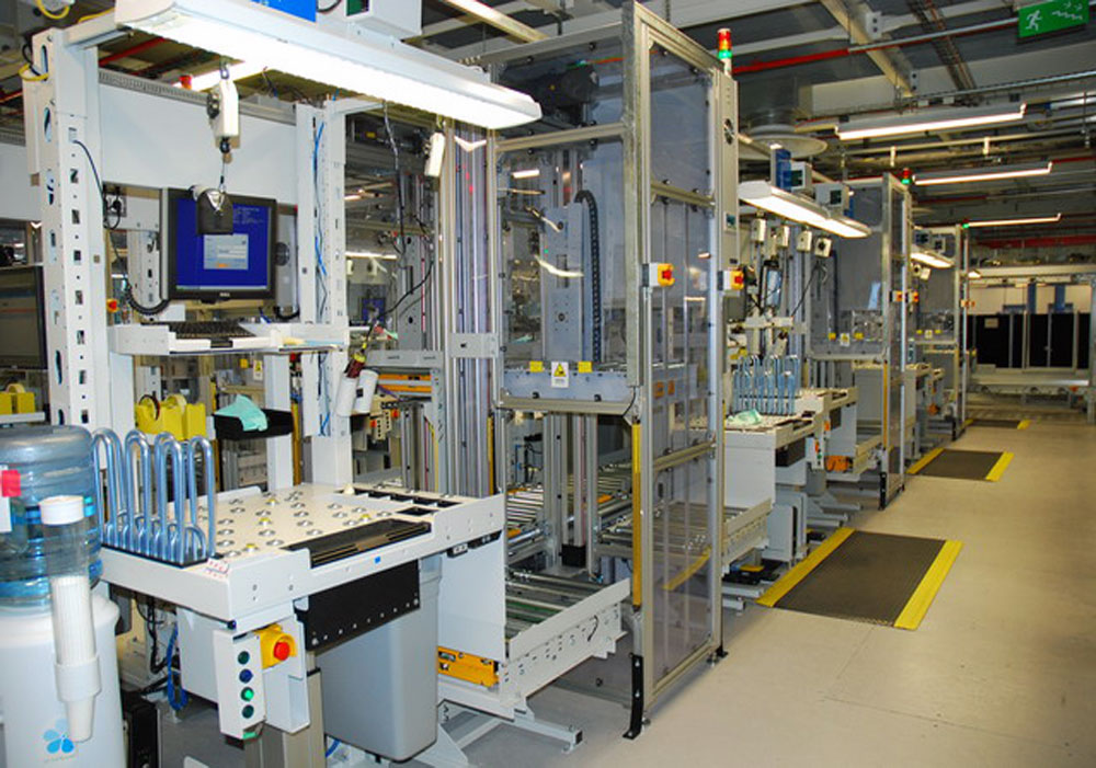 Customised work station with integrated conveyors and lifts
