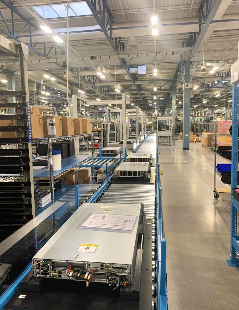 Server assembly on a roller conveyor system